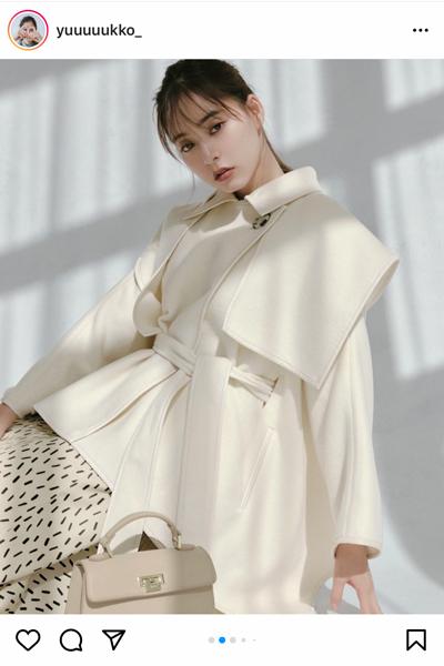 新木優子、シックなコートで魅せる大人の魅力!「可愛すぎます」「グレーかっこいい」