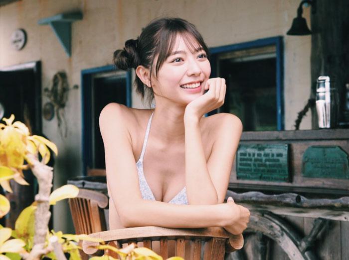 川津明日香、水着姿の満面の笑顔にキュン!
