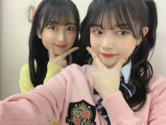 HKT48 水上凜巳花、渡部愛加里と制服2ショット披露「強すぎる」と話題に
