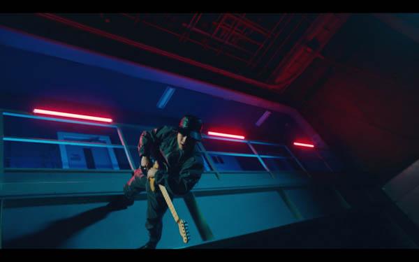 SKY-HI&オーラル 山中拓也のコラボ曲『Dive To World』のMV公開! 約3年ぶりのオリジナルアルバムもリリース決定