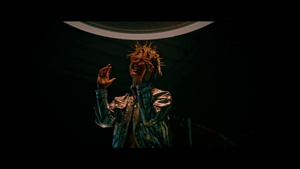 MIYAVI、スキンヘッドのビジュアルで話題の「New Gravity」MVが公開