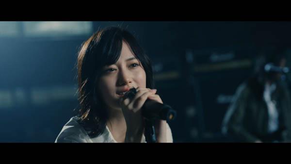 乃木團以来のバンド編成! 乃木坂46『泥だらけ』MVが公開