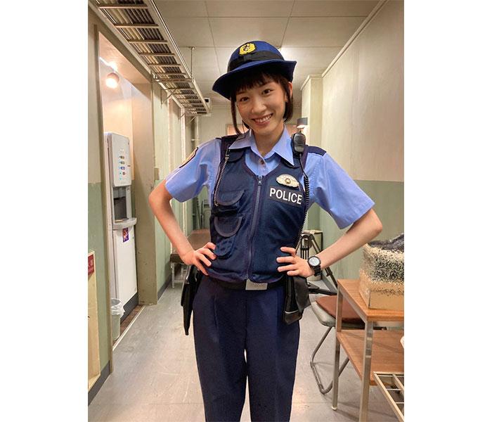 永野芽郁、『ハコヅメ』待機中のお茶目なオフショットに「可愛いすぎ!」「まじ天使」と反響