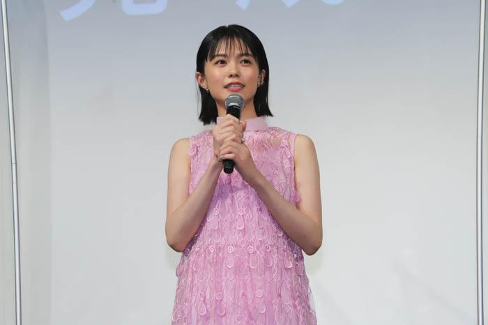 志田彩良「当たり前の大切さを伝えたい」主演映画『かそけきサンカヨウ』完成報告会でメッセージ