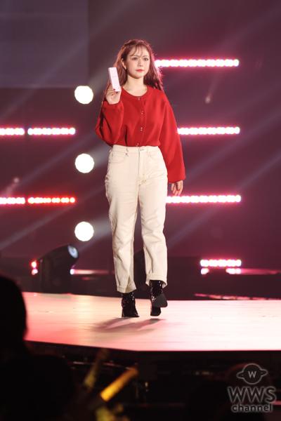 HKT48・村重杏奈がクールな秋冬ファッションでランウェイに登場!<関コレ2021 A/W>