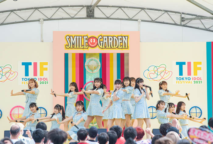 HKT48、「TIF2021」SMILE GARDENで熱気を吹き飛ばす爽快感パフォーマンス