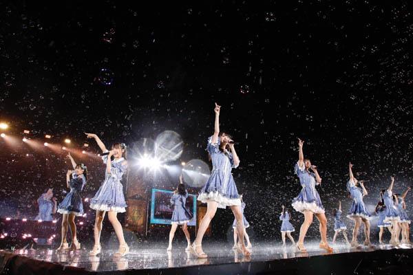 =LOVE・≠ME、雨の中の野外合同フェスを開催 第3のグループ始動も発表