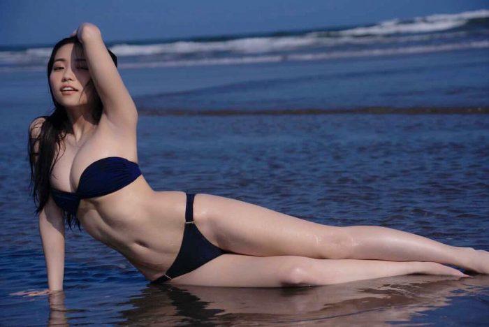 大原優乃、海で魅せる超絶美ボディに「人魚姫かと思った」