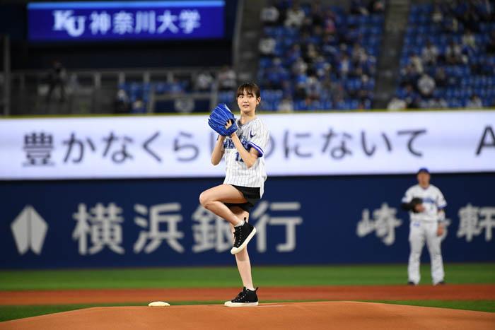 【リュウソウピンク】尾碕真花が初の始球式に挑戦! 「ものすごく緊張しました!」